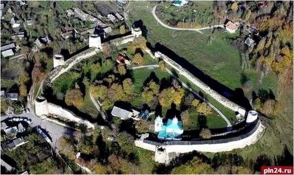 Изборск - крепость-заповедник в Псковской области
