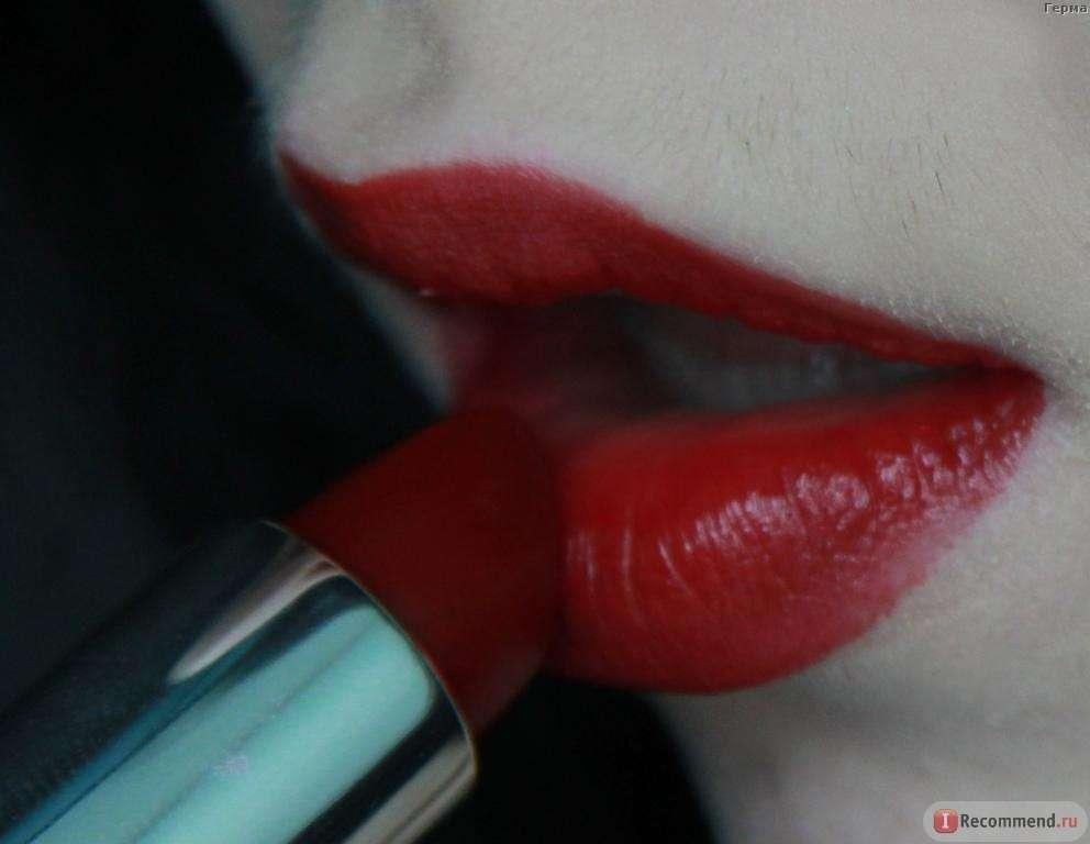 Помада ArtDeco High Performance Lipstick