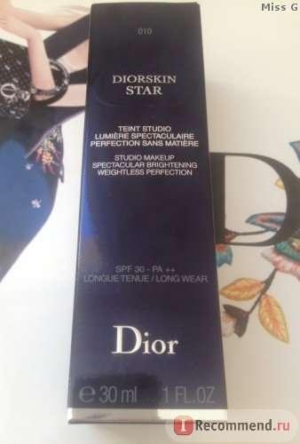 Тональный флюид Dior DIORSKIN STAR