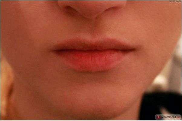 Жидкий пигмент для губ и скул Benefit Benetint